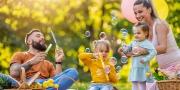 Familie uitje met picknick